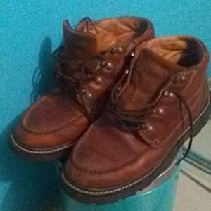 Nice style Men's Ariat laced boots